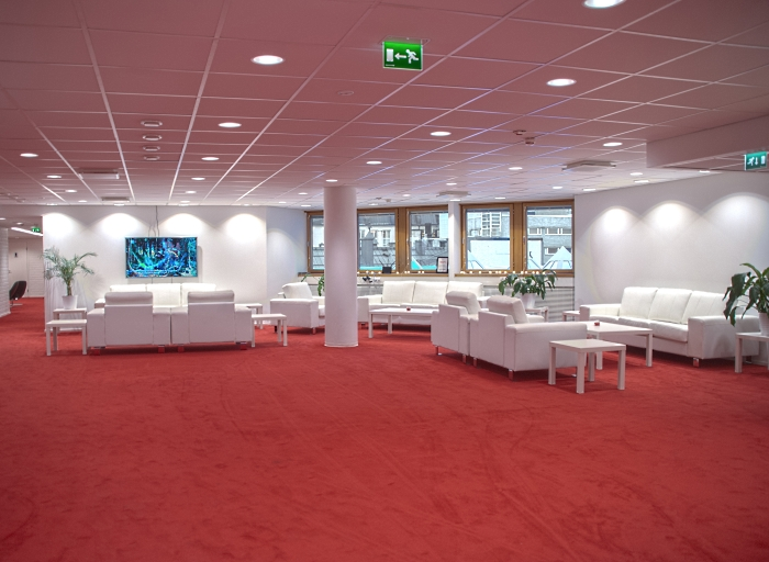 MAIN LOUNGE @ FORUM